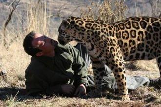 Kevin_Richardson_next_to_a_jaguar.jpg